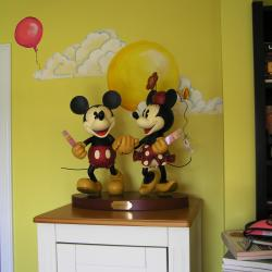 Lola's Disney Room - Details that help accent the decor